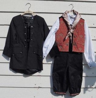 219df9cf SETT : Skjorte fra By-Valland str 6 år + Vest og Nikkers med seler